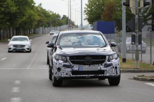 صور تجسسية للنسخة الانتاجية من سيارة مرسيدس GLC كوبيه