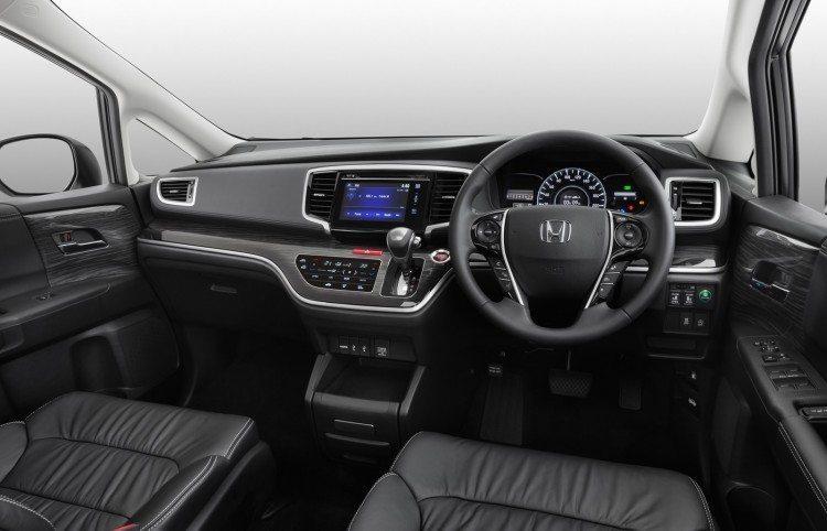 2015-Honda-Odyssey-dashboard-750x482