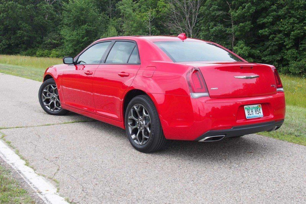 2016-Chrysler-300S-Rear-01